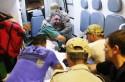 Família Garotinho faz escarcéu e tumulto na saída de hospital (veja vídeo)