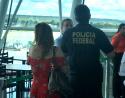 Sob aplausos, passageira detona Gleisi dentro de avião: 'Sua corrupta, deveria ser presa' (veja o vídeo)