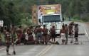 PF e PRF detonam com pedágio indígena em rodovia e prendem 15
