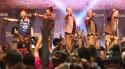 Banda VoxxClub faz o avesso do que fez Roger Waters e reação é impressionante (Veja o Vídeo)