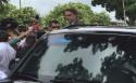 """Tratado como """"presidente"""" por mesários, Bolsonaro vota (Veja o Vídeo)"""