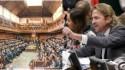Dois povos, dois parlamentos
