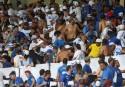 O rebaixamento do Cruzeiro e a destruição do Mineirão, por vândalos travestidos de torcedores (veja o vídeo)