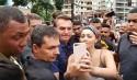 """Bolsonaro sai às ruas, faz """"teste"""" de popularidade e resultado é surpreendente (veja o vídeo)"""