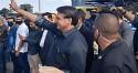 Bolsonaro é recepcionado por multidão de apoiadores em Minas Gerais (veja os vídeos)