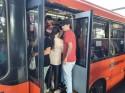 Governadores e prefeitos mantêm medidas restritivas, mas ignoram aglomerações nos transportes públicos (veja o vídeo)