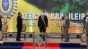 """Generais """"batem"""" continência a Jair Bolsonaro e mostram quem é o """"comandante"""" (veja o vídeo)"""
