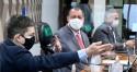 """Randolfe ataca o presidente, é confrontado e, aos gritos, """"surta"""" na CPI (veja o vídeo)"""