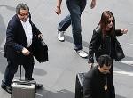 João Santana e Mônica, a esposa, chegam ao Brasil e são recepcionados pela Polícia Federal