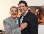 Lula se oferece como 'cabo eleitoral', mas é desprezado. Quem quer?