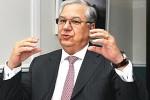 Presidente do TCE do Rio de Janeiro é levado 'na marra' para depor na PF