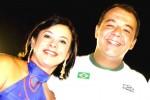 Acabou a amizade: Adriana e Cabral viajam juntos, mas não se olham