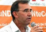 Cidadão dá dura em ex-prefeito do PT e populares se recusam a receber panfletos (Veja o Vídeo)