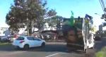 """De caminhão de som, homem grita para petistas """"Vagabundos"""", que revidam com pedradas (Veja o Vídeo)"""