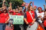 """Câmara paga passagem para servidora petista dar """"Bom Dia"""" a Lula em Curitiba"""