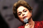Dilma discursa e passeia em Cuba, com o seu dinheiro (Veja o Vídeo)