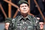 Por que os patifes da política e da mídia caíram de pau no General Mourão?