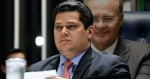 """Com """"aplauso"""" de Alcolumbre, Senado rejeita decreto das armas de Bolsonaro"""
