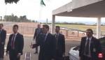 AO VIVO: Bolsonaro brinca com admiradores na saída do Palácio da Alvorada, nesta segunda-feira (Veja o Vídeo)