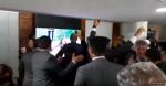 Assim fica fácil! Deputados assistem jogo do Flamengo durante sessão no plenário (assista o vídeo)