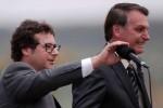 """Bolsonaro descarta demissão de chefe da Secom e afirma: """"Vai continuar! Excelente profissional"""" (veja o vídeo)"""
