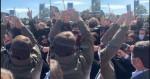 Bolsonaro é recebido por multidão extasiada, aclamado e ovacionado no RS (veja o vídeo)