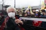 """Defensora do """"fique em casa"""", aos 85 anos, Erundina dá um jeito e sai às ruas em campanha por Boulos"""