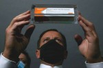 """""""Evento adverso grave"""" faz Anvisa suspender testes com a vacina chinesa"""