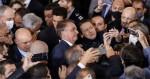 Popularidade em alta: Prefeitos das mais diversas regiões do Brasil disputam foto com Bolsonaro (veja o vídeo)