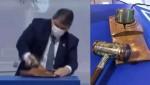 Com quebra de recordes, Tarcísio quebra suporte de martelo em leilão e web vai à loucura (veja o vídeo)