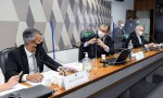 URGENTE: Aziz dá voz de prisão a Roberto Dias, ex-diretor do Ministério da Saúde (veja o vídeo)