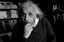 Carta escrita por Einstein é encontrada em escola gaúcha