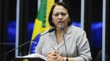 Janaína golpeia senadora ao demonstrar que Dilma nunca lutou por democracia
