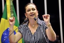 Senadora Katia Abreu é desmascarada por 'mentira' na votação do impeachment (veja o vídeo)