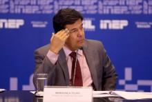 Interpelado por militante, Ministro da Educação desmonta mentiras sobre a PEC 241 (Veja o vídeo)