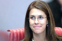 Atuação de ministra Luciana Lóssio é eivada de fatos suspeitos
