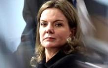 Gleisi, agasalhada pelo 'foro privilegiado', afronta desembargadores do TRF