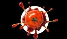 Gilmar escapa por pouco de tomataço na cabeça
