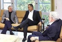 Dinheiro público financia passeio de Ruy Costa e Jaques Wagner à Cuba