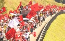 PT aposta em conflito social como último recurso para salvar Lula