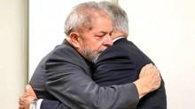 Pacto firmado entre Lula e FHC prossegue e lançamento de pré-candidatura é cancelado