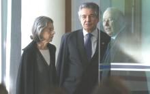 Há 6 dias do TRF-4 expedir o mandado de prisão de Lula, decano pressiona Cármen Lúcia