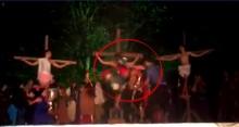 """Homem invade palco para """"salvar Jesus"""" e agride ator que interpretava soldado Romano"""