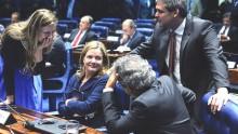 """Após negativas da Justiça, petistas aprovam no senado """"visita"""" a Lula"""