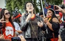 O surto da filósofa no acampamento: Quem é contra Lula tem problema sexual (Veja o Vídeo)