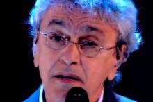 """Caetano, em fim de carreira, arrisca """"Lula Livre"""" e vaias invadem o teatro (Veja o Vídeo)"""
