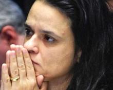Janaína Paschoal enlutada pelo falecimento da avó, é ofendida por petistas