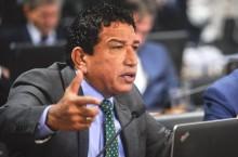 """Curto e grosso, Magno Malta diz a verdade sobre a """"CPI da Lava Jato"""" (Veja o Vídeo)"""