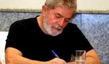 As fases de Lula como escritor: do artigo para o Le Monde ao bilhete para o Wagnão