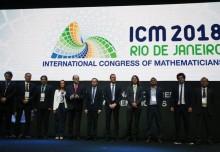Quem são os quatros Matemáticos que ganharam a Medalha Fields no congresso de Matemática no Rio